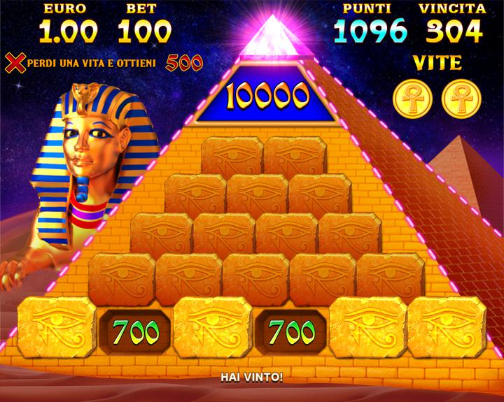010. Cleopatra - pyramid bonus.png